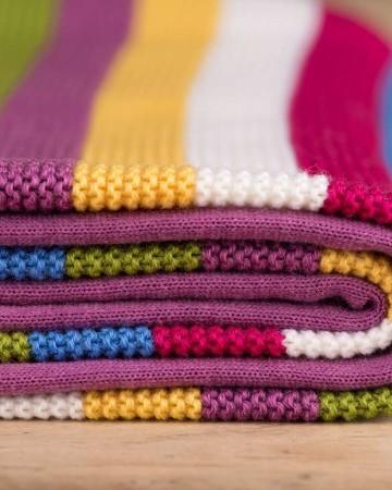 gestreifte Decke Regenbogen, 100% Merinowolle, Rand lila
